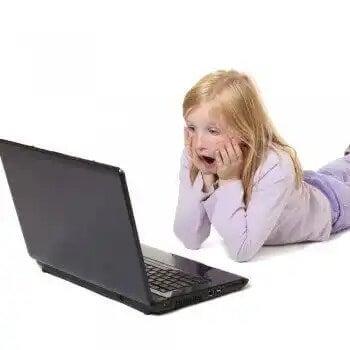 Cuidado no uso das redes sociais pelas crianças