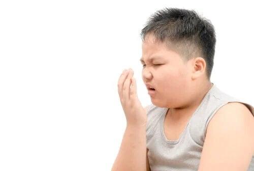 Halitose em crianças: a que se deve e o que fazer?