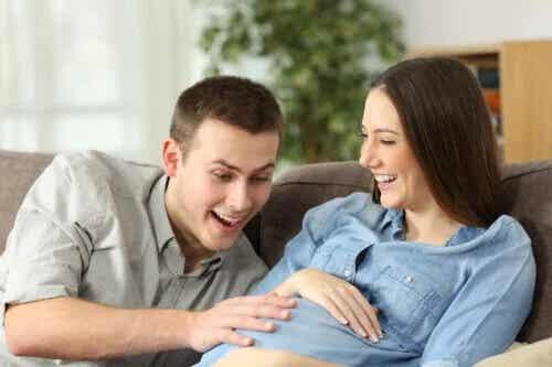 Por que o bebê precisa se mexer no útero?