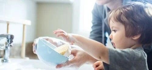 Incentive seu filho a seguir uma tabela de tarefas domésticas