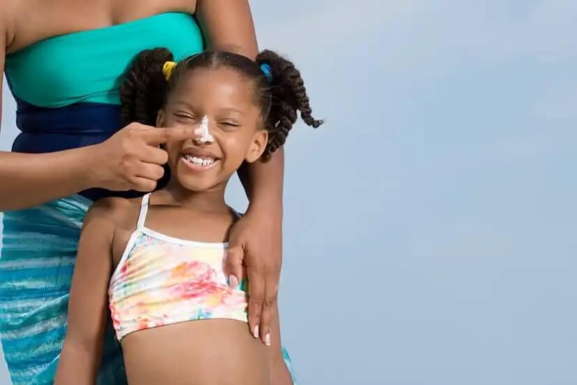 A importância do protetor solar para peles negras