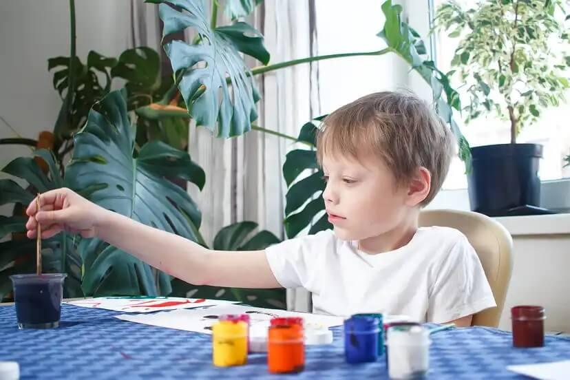 Os benefícios da arte para as crianças: a pintura
